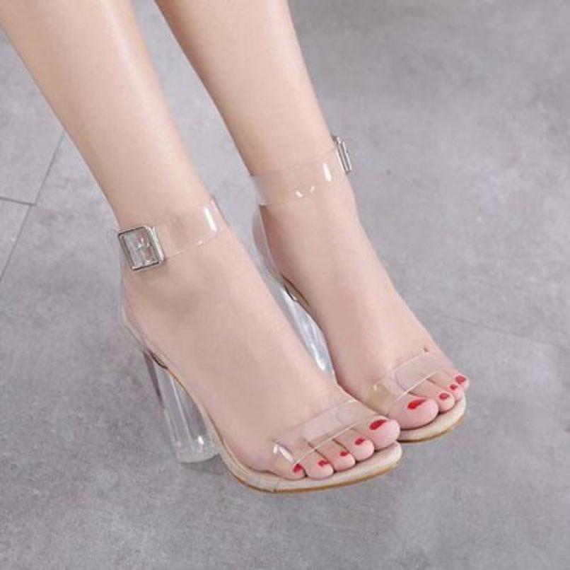 Giày cao gót vuông trong 9cm quai trong giá rẻ