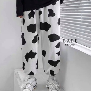 Quần jogger nữ Bape họa tiết bò sữa cạp chun cao bo gấu chân (màu trắng) thumbnail