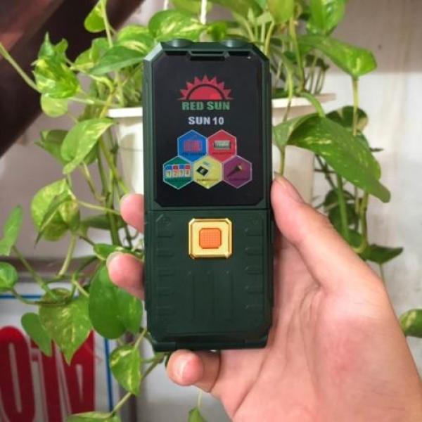 Điện thoại 4 sim RedSun Sun 10 có chức năng giả giọng nói và sạc pin cho máy khác
