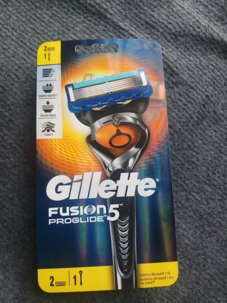Dao cạo Gillette Fusion Proglide 5 in 1(2 lưỡi,1 cán,1 giá đỡ) nhập khẩu