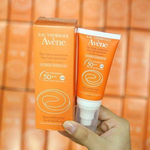 Kem chống nắng Avene Pháp SPF50 ngăn ngừa chứng nám da
