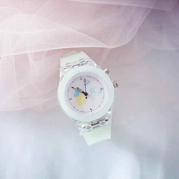 Giá bán Đồng hồ điện tử cho trẻ em Candycat dây cao su đèn nhiều màu cao cấp