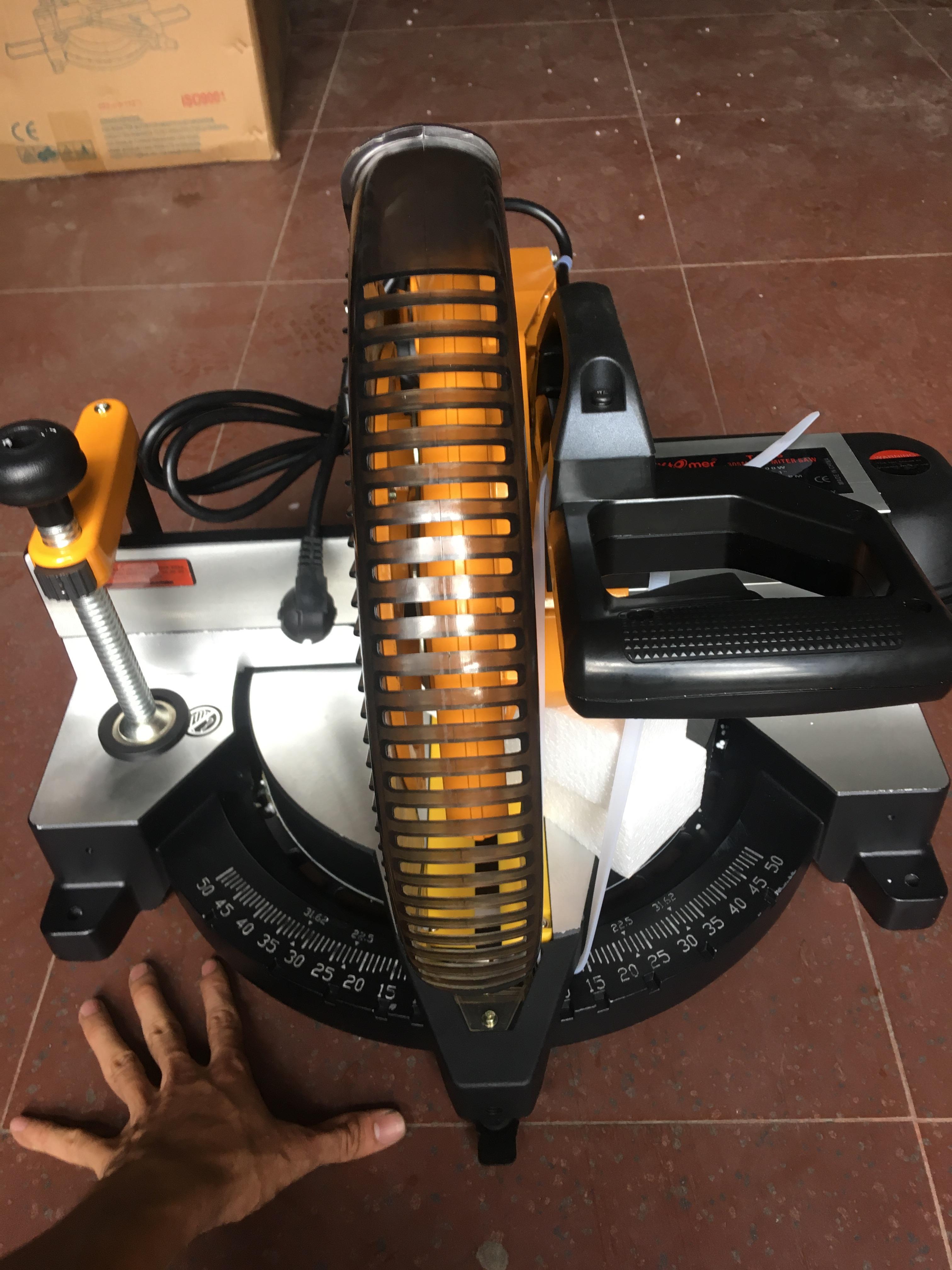 Máy cắt nhôm động cơ khởi động từ Kstomer 305