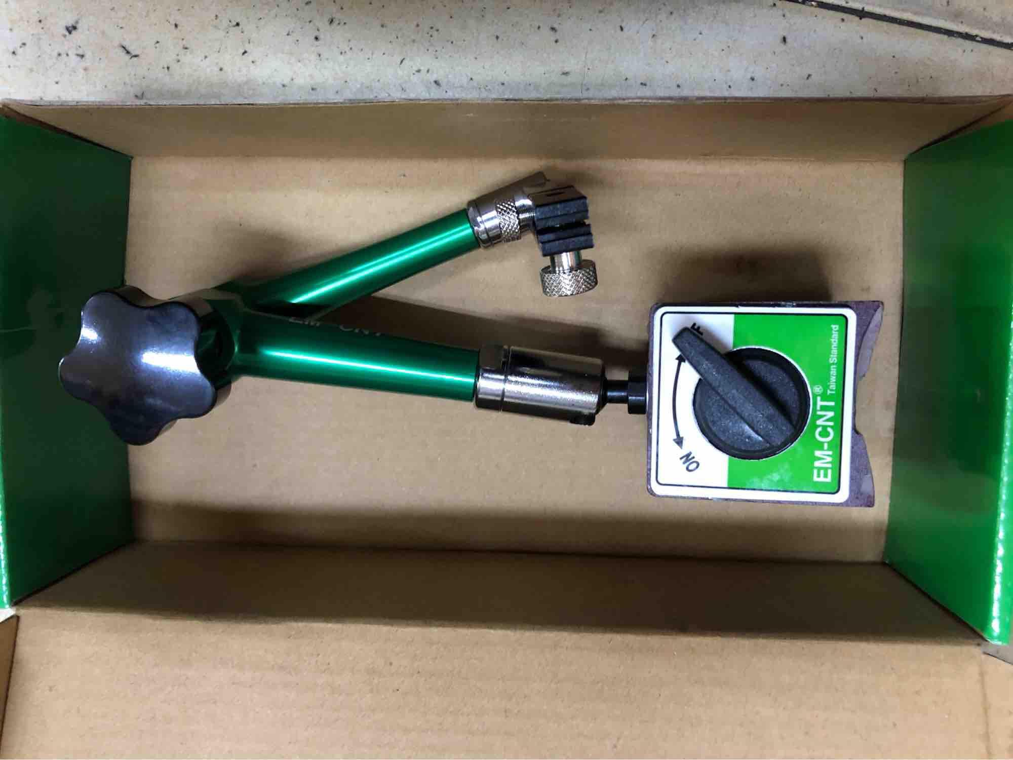 Chân đế từ gắn đồng hồ so EM-CNT cao cấp loại 1 , zise M