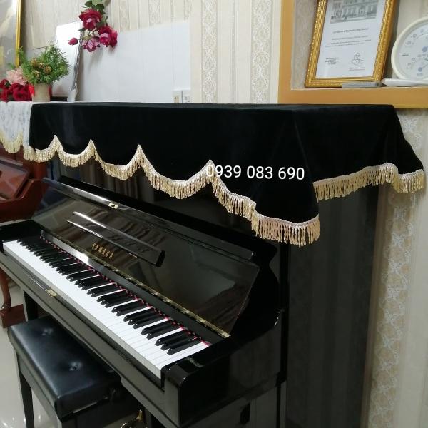 KHĂN PHỦ ĐÀN PIANO NHUNG ĐEN DÀY MỀM MỊN, TUA RUA VÀNG SANG TRỌNG