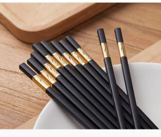 Bộ 20 đôi đũa khảm vàng phong cách Nhật Bản - Bàn ăn - Bếp - Đũa họa tiết đẹp - Đũa không trơn - Bộ đũa cao cấp - Quà tặng - Đũa chạm khắc - Phụ kiện bàn ăn - Đồ dùng nhà bếp - Đũa hợp kim - Đũa chống mốc - Đũa chống trơn - Bộ đồ dùng ăn uống thumbnail