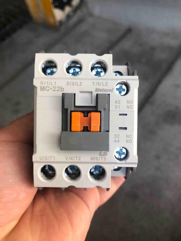 Khởi động từ( contactor) MC-22b-22A-220V-LS