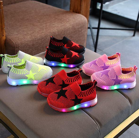 Giày cho bé có đèn led DSY