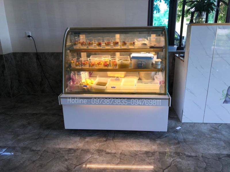 Tủ trưng bầy bánh kem