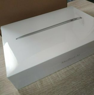 Brand New AppleMacBook Air 13 M1 chip (256 Go SSD, 8 Go RAM) - Silver thumbnail