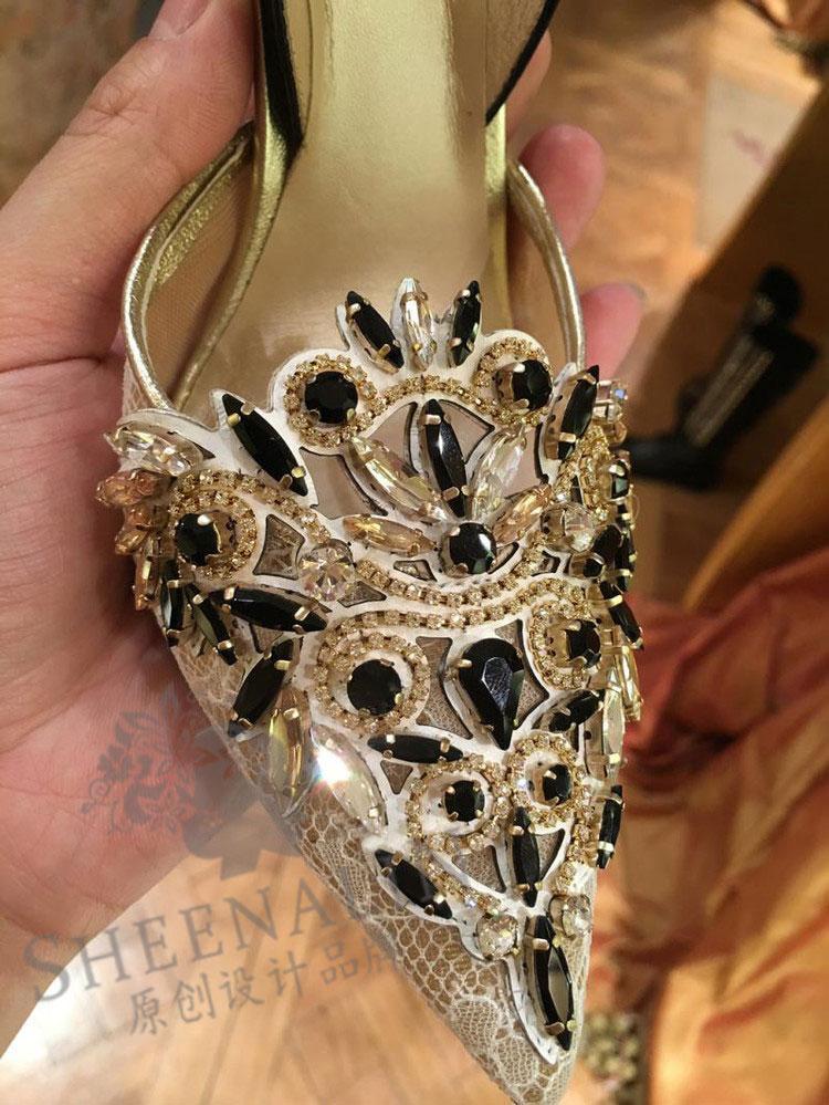 2019 Gaya Barat musim panas model baru RESTONIC batu kristal air Sandal Summer Left Bank Xiao Model Sama Kulit asli bagian depan tajam Hak Tipis pengiring pengantin sepatu wanita pasang