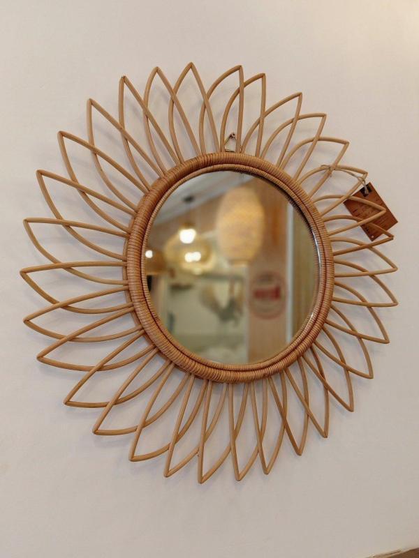 Gương mây tre, gương trang điểm, gương trang trí nhà cửa hoa hướng dương G03