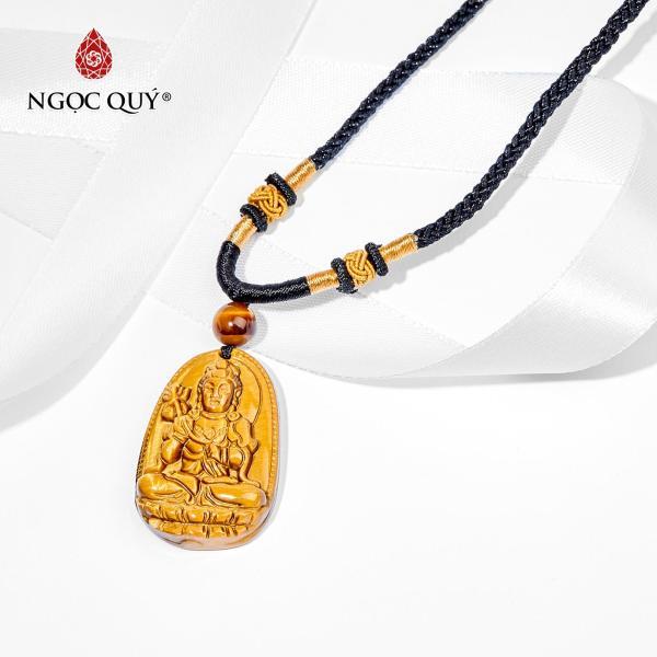 Mặt dây chuyền Phật bản mệnh đá mắt hổ Đại Thế Chí Bồ Tát tuổi Ngọ 3.6x2.3 cm (màu vàng nâu) - Ngọc Quý Gemstones
