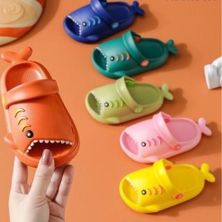 Dép Sục Cá Mập Ngộ Nghĩnh Nhiều Màu Cho Bé thumbnail