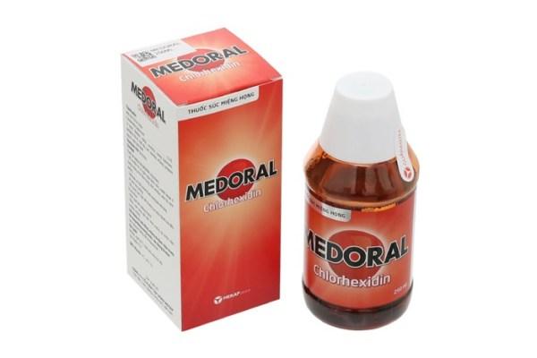 (chinh hang) Nước súc miệng họng Medoral chai 250ml giá rẻ
