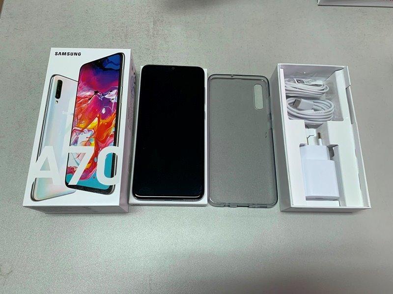 Điện thoại Samsung Galaxy A70 (6/128Gb) Màn hình Super AMOLED, 6.7 inch, Full HD+