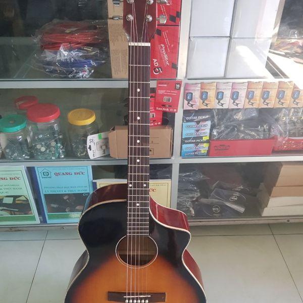 Guitar Acoustic A130.