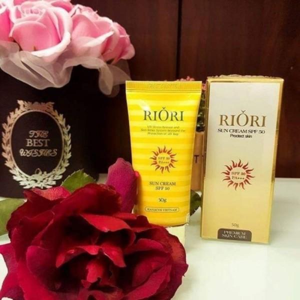 Kem chống nắng kiêm dưỡng da và trang điểm nhập khẩu