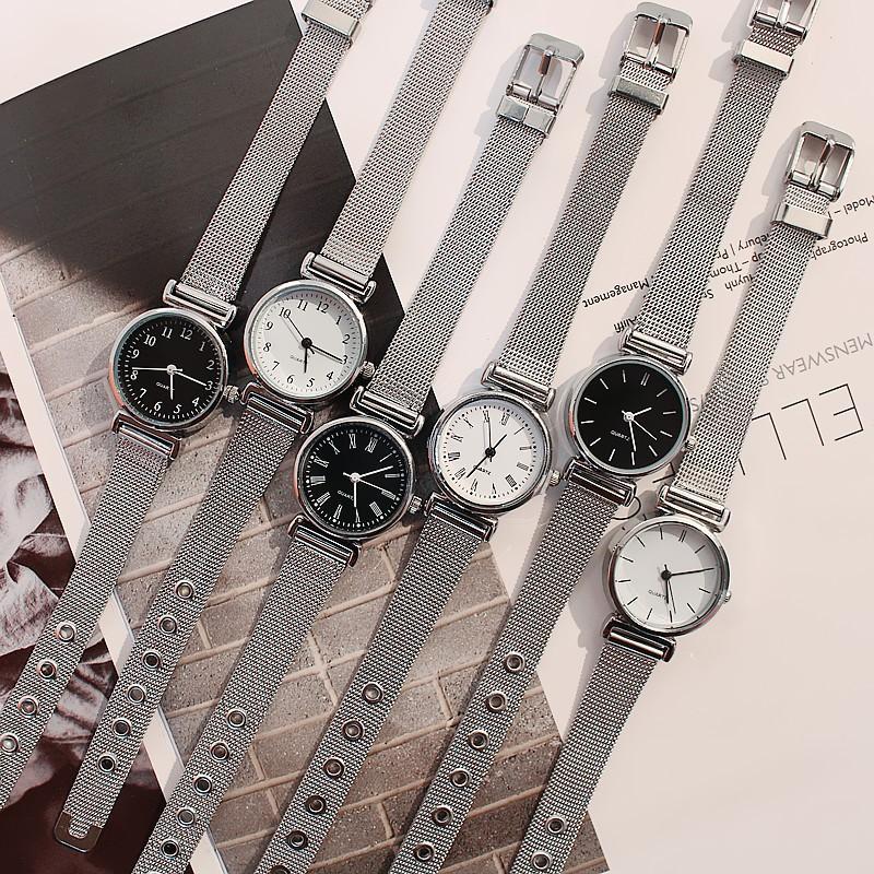 Đồng hồ nữ đeo tay dây kim loại xinh xắn