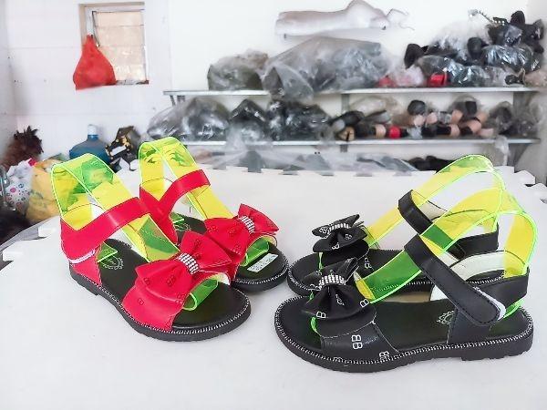 Giá bán dép sandal trẻ em