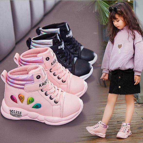 Giá bán Giày thể thao bé gái cao cổ chất liệu da mềm có lót mềm chân