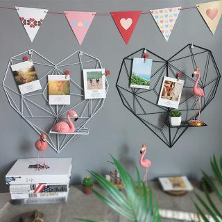 Khung lưới sắt hình trái tim treo ảnh trang trí Decor phòng ngủ, phòng khách, quán cafe kèm kệ để đồ thumbnail