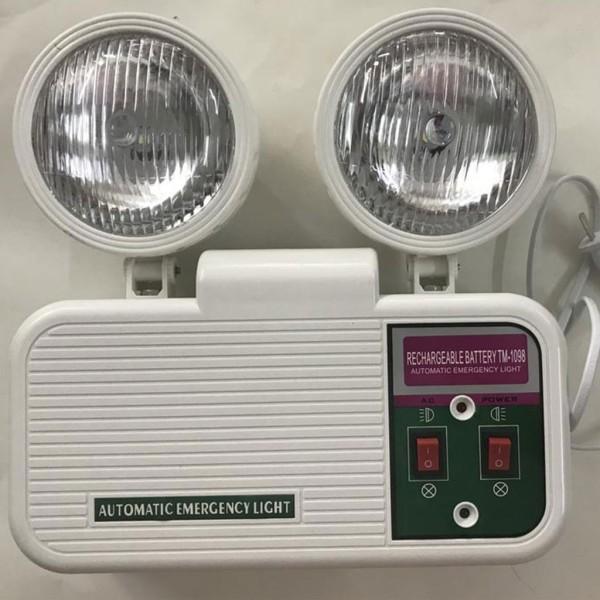 Đèn chiếu sáng khẩn cấp .Đèn sạc chiếu sáng khẩn cấp bóng led KT 404. thiết bị an toàn cực cần thiết khi mất điện,GIÚP BẢO VỆ NGÔI NHÀ CỦA BẠN 24/24. HÀNG NHẬP NGOẠI GIÁ RẺ, CHẤT LƯỢNG CAO, BỀN,TỐT ( BẢO HÀNH 1 ĐỔI 1)