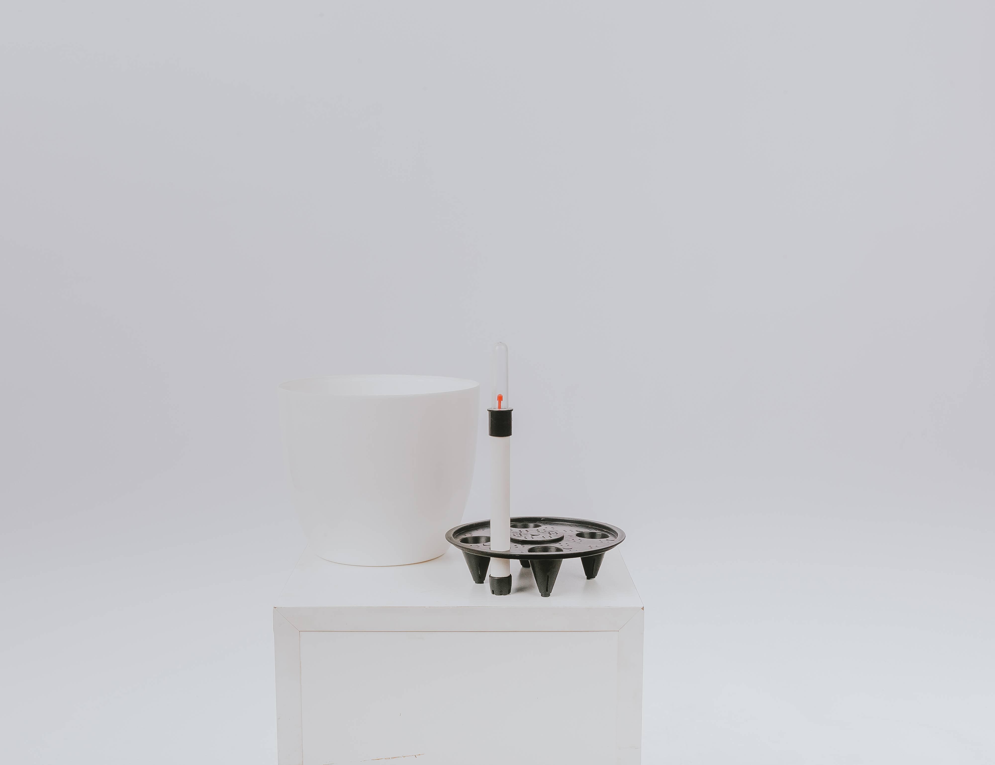 5 Chậu Cây Tự Tưới Nước Size 18,5x16cm Màu Trắng