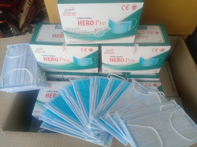 Khẩu trang y tế giấy kháng khuẩn 4 lớp Hero Pro giá rẻ