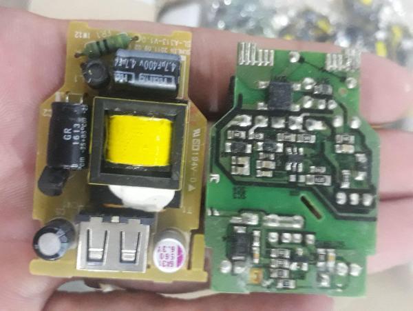 Giá Combo 2 nguồn không vỏ 5v 1,5A max có cổng đầu ra USB