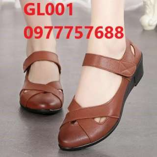 Giày thấp cho mẹ giày đen bệt mũi nhọn trung niên êm chân GL001