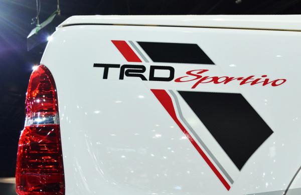 Tem dán cửa xe ô tô TRD sportivo