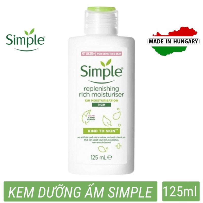 Kem dưỡng ẩm an toàn phù hợp mọi loại da Simple Kind To Skin Hydrating Light Moisturiser (125ml) bổ sung vitamin cho da chống da khô tróc vẩy giá rẻ