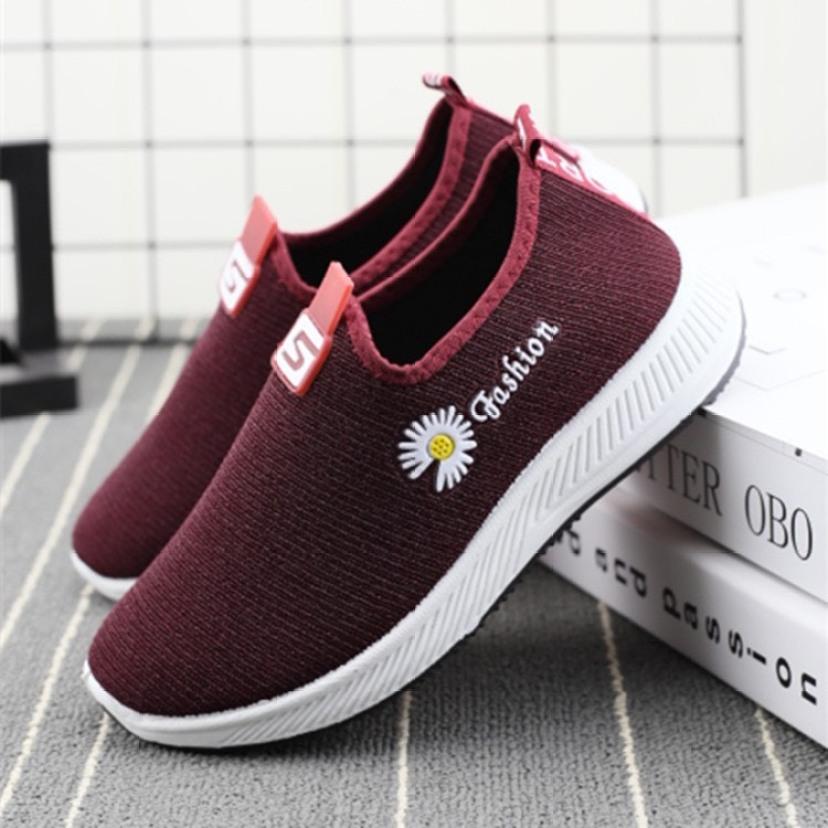 Giày đi bộ vải nữ - thêu hoa cúc có 2 màu êm chân giá rẻ