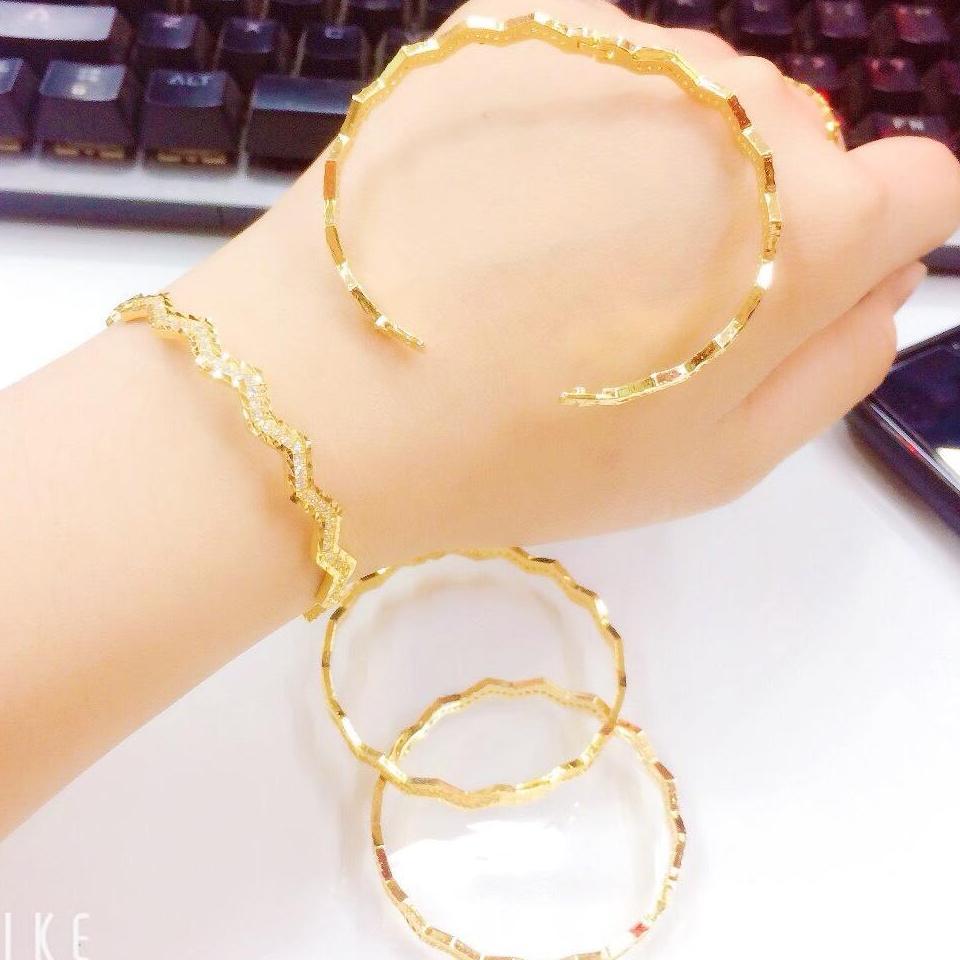 Vòng tay vàng 18k Gadoshop VL11051911- đeo đi đám cưới vô cùng quý phái (mới)