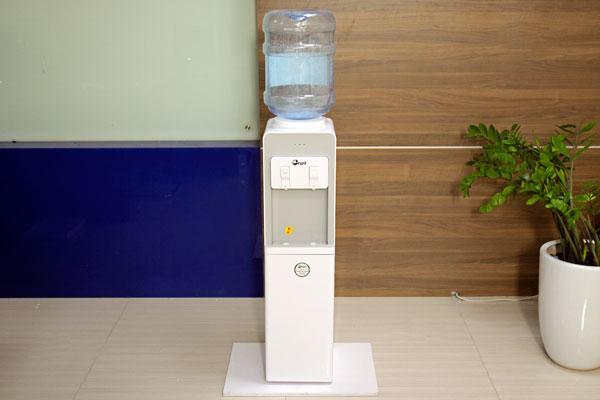 Cây nước nóng lạnh cao cấp FujiE WD1850C [ làm lạnh bằng lock ]