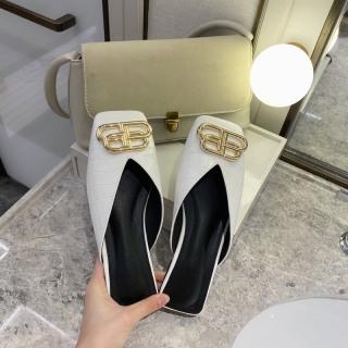 giày sục nữ mũi vuông khóa chữ BB da sần êm chân thumbnail