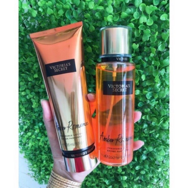 [HCM]Combo xịt thơm +dưỡng thể toàn thân Victoria's Secret Fragrance Mist Amber 250ml cam kết hàng đúng mô tả chất lượng đảm bảo an toàn đến sức khỏe người sử dụng đa dạng mẫu mã màu sắc kích cỡ nhập khẩu