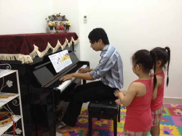 Khoá học đệm hát piano,organ cho người lớn