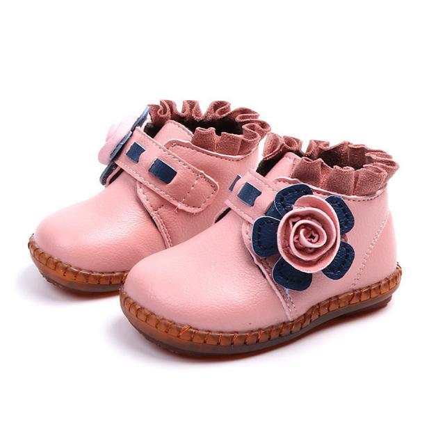 Giá bán Boot hoa màu hồng đáng yêu cho bé gái