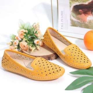 Giày Búp Bê Bệt Đế Âm Da Mềm Cut-out Màu Vàng Pixie P262