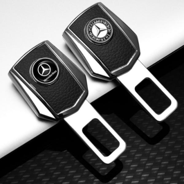 Chốt cài dây an toàn ô tô loại cao cấp, chốt dây an toàn được làm bằng hợp kim chắc chắn và bền đẹp, đầy đủ các hãng xe.