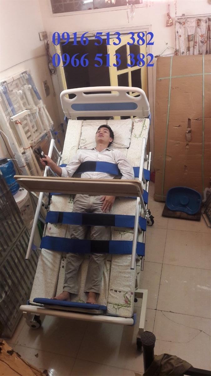 Giường y tế đa năng kèm tập đứng cho người bệnh nhập khẩu