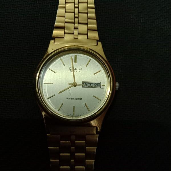 [HCM]Đồng hồ nam Casio 33mm mặt tròn dây kim loại mạ vàng máy Quartz 3 kim lịch thứ và ngày