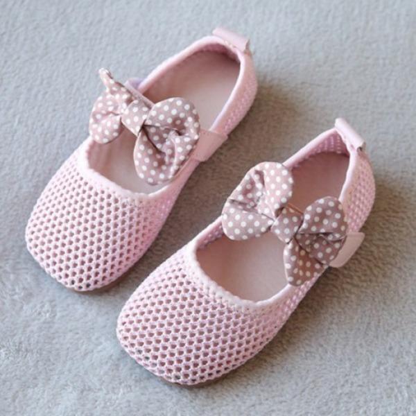 Giá bán Giày trẻ em đẹp thể thao cho bé gái chất liệu sợi len cao cấp siêu thoáng, không gây cảm giác khó chịu cho bé