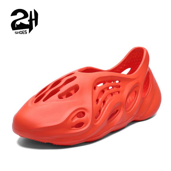Giày nhựa nam, nữ, đi mưa, đi biển - Chất liệu nhựa xốp siêu nhẹ, không thấm nước – thoáng khi Shoes 2H – Q01 - Màu Đen – Cam - Size 35-44