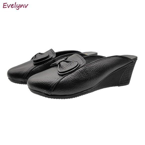 Giày Đế Xuồng Giày Sục Nữ Gót Cao 5cm Da Bò Thật Cực Mềm Evelynv 5P1894 (Đen) giá rẻ