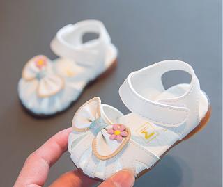 giày sandal cao cấp cho bé gái. Giày đẹp cho bé gái. Giày cho bé mới biết đi. Giày cho bé gái 1-3 tuổi. My Little Boss thumbnail