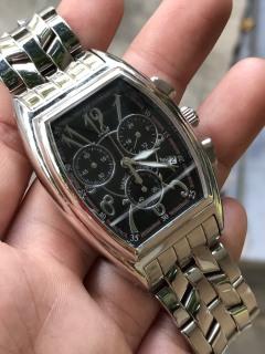 Đồng hồ nữ Mario Valentino mặt màu đen, sáu kim, dây kim loại thumbnail