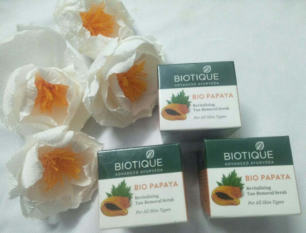 Tẩy Da Chết Chiết Xuất Từ Đu Đủ Trị Nám Biotique Papaya Revitalizing Tan Removal tốt nhất